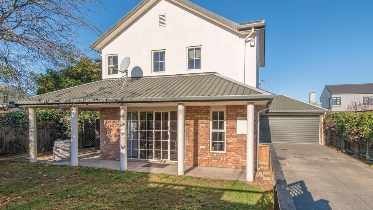 206a Knowles Street , St Albans