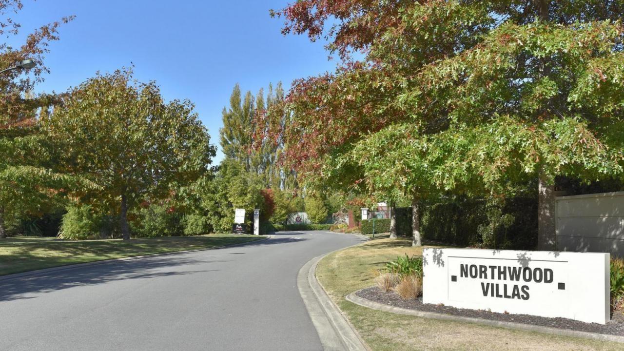55 Northwood Villas, Northwood