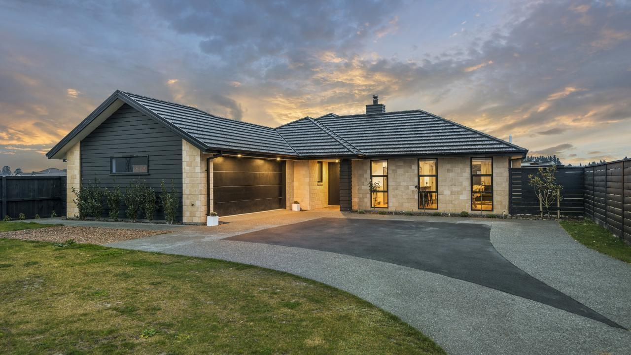 26 Glenfinnan Place, West Melton
