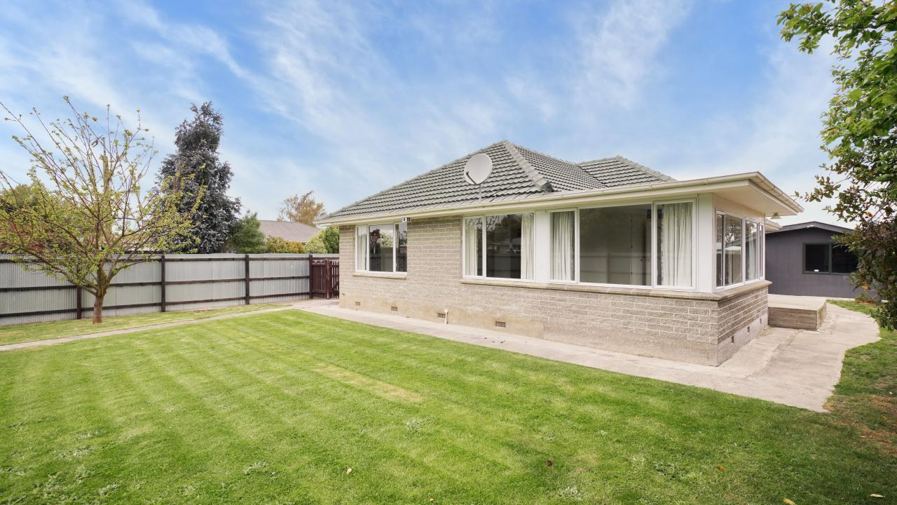 19 Woodend Road, Woodend