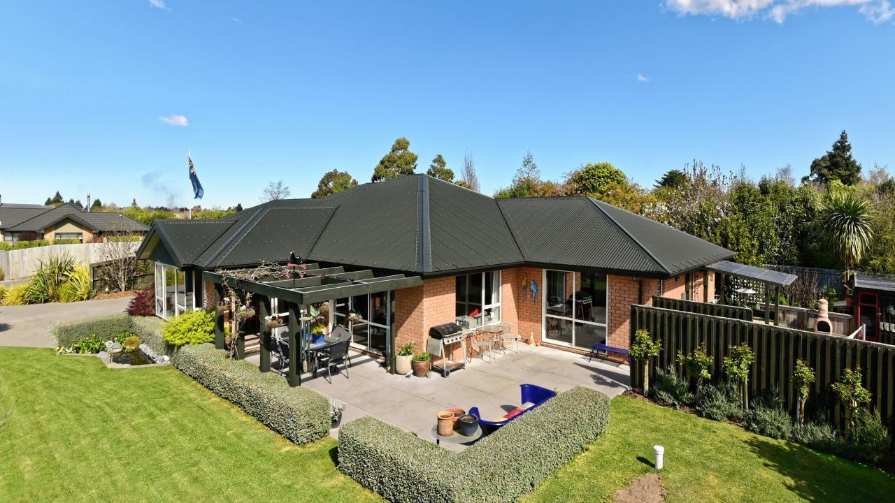 8 Perrin Place, Darfield