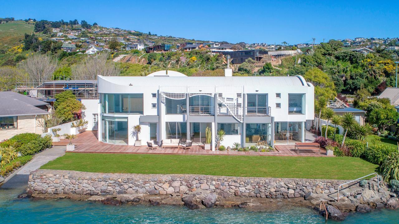 133 and 135 Main Road, Redcliffs