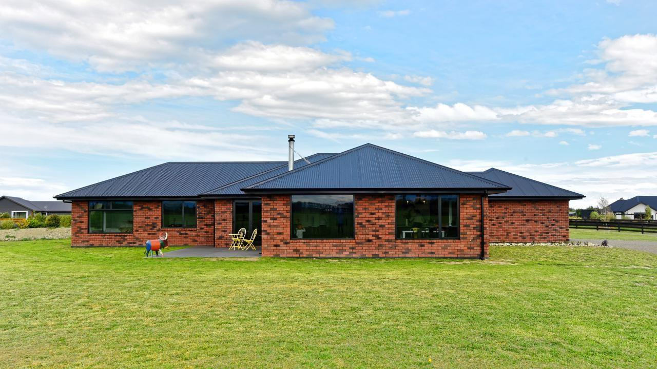 38 Whitcombe Place, Darfield