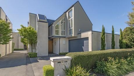1/11 Church Lane, Merivale