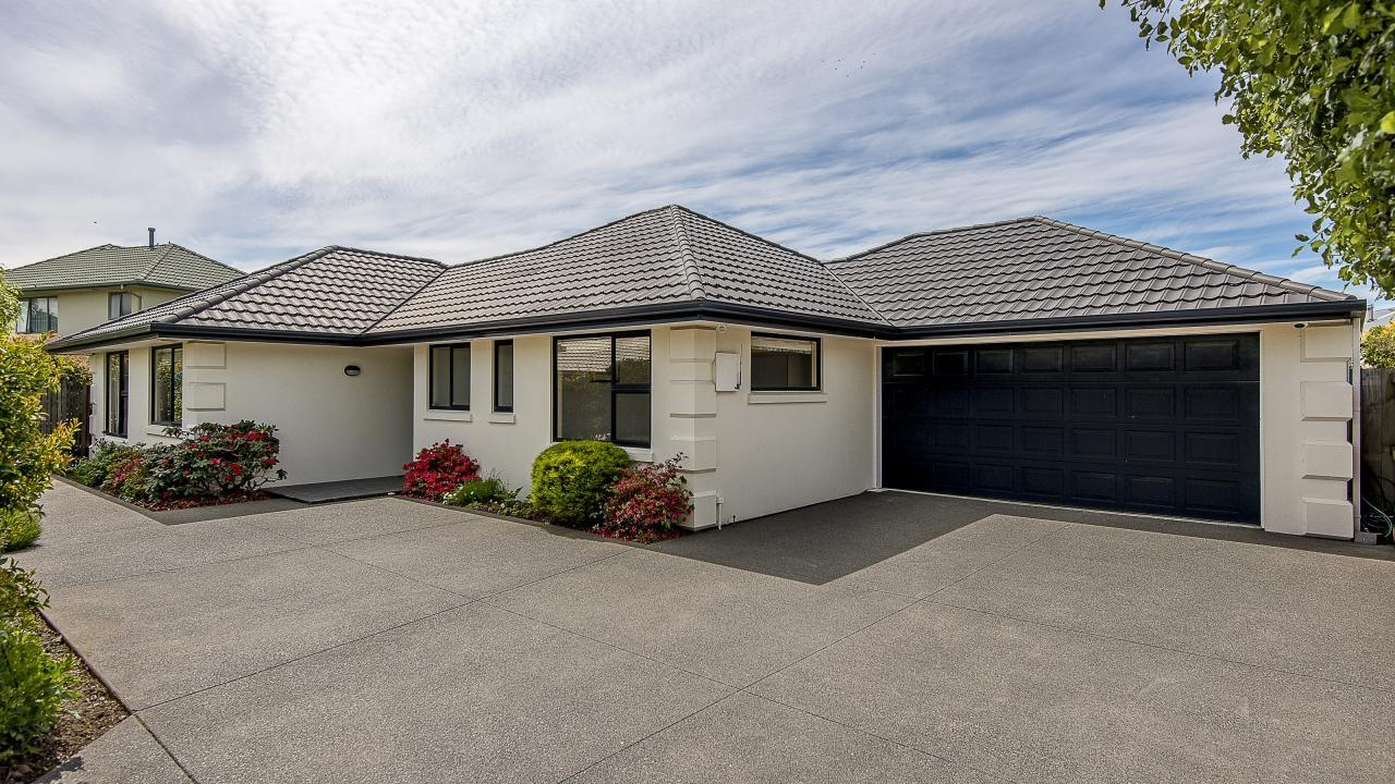 3A Becmead Drive, Harewood