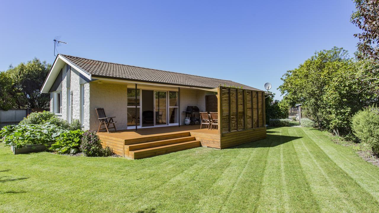 16D Main North Road, Woodend