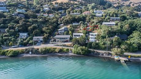 A/213 Beach Road, Akaroa