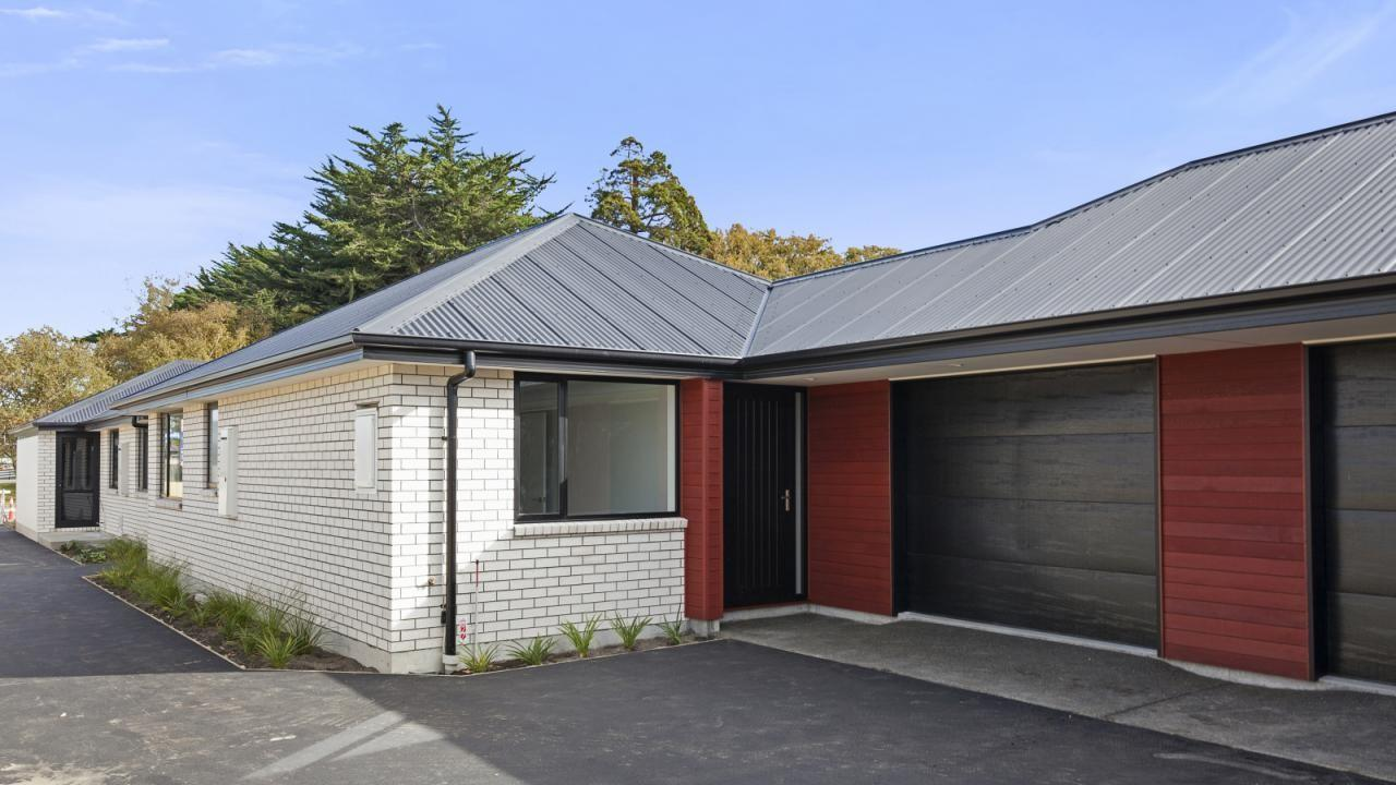 2/56 Sawyers Arms Road, Northcote