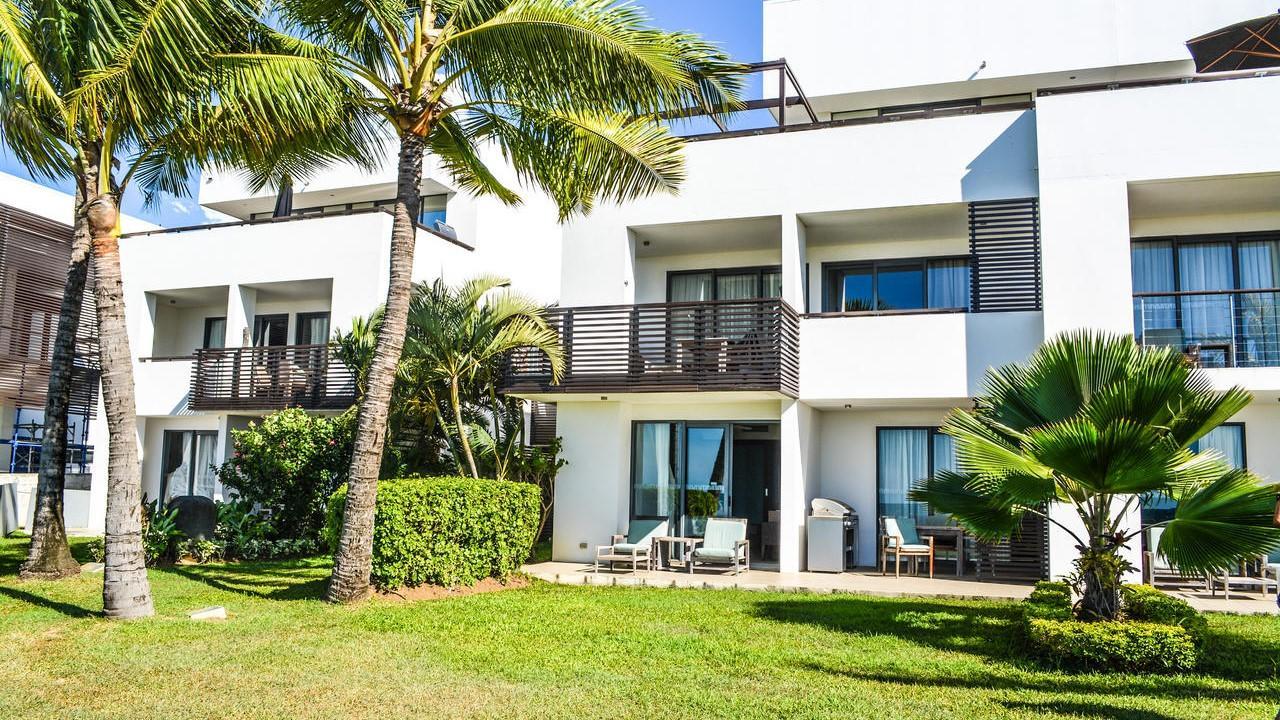 Managed Luxury Villa on Denarau - 55D Hilton Villa, Denarau