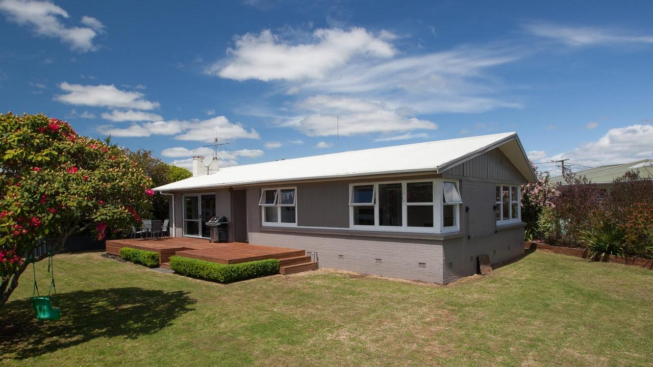 Great First Home or Investment - 56 English Street, Hamilton | Bayleys Realty Group