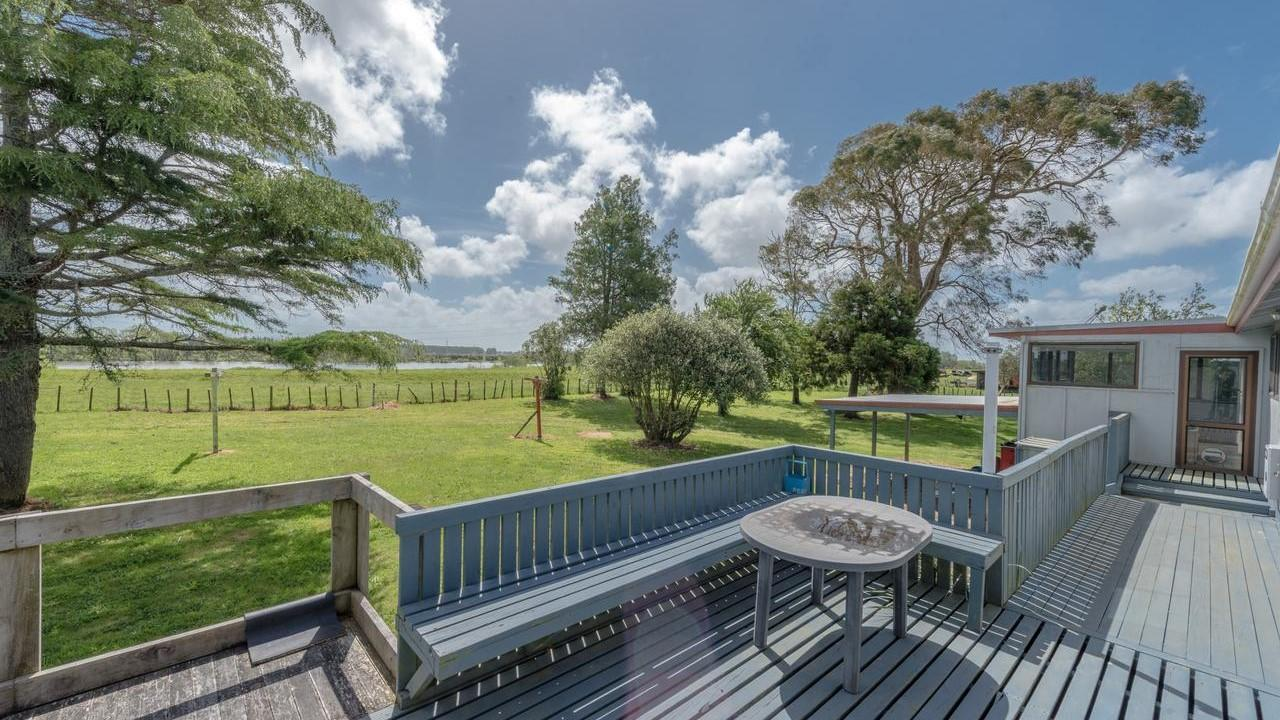 3762 State Highway 1, Huntly
