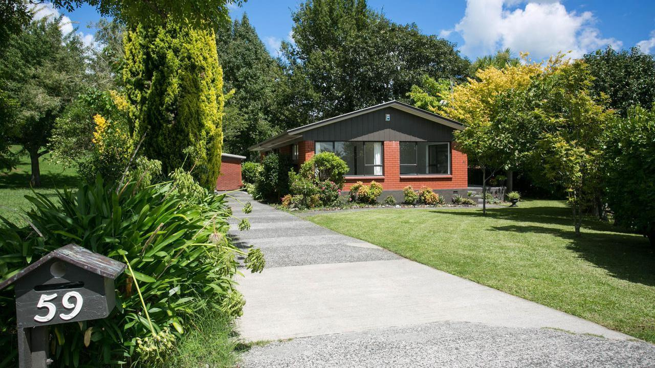 59 Resthill Crescent, Glenview