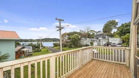 38 Lorenzen Bay Road, Raglan