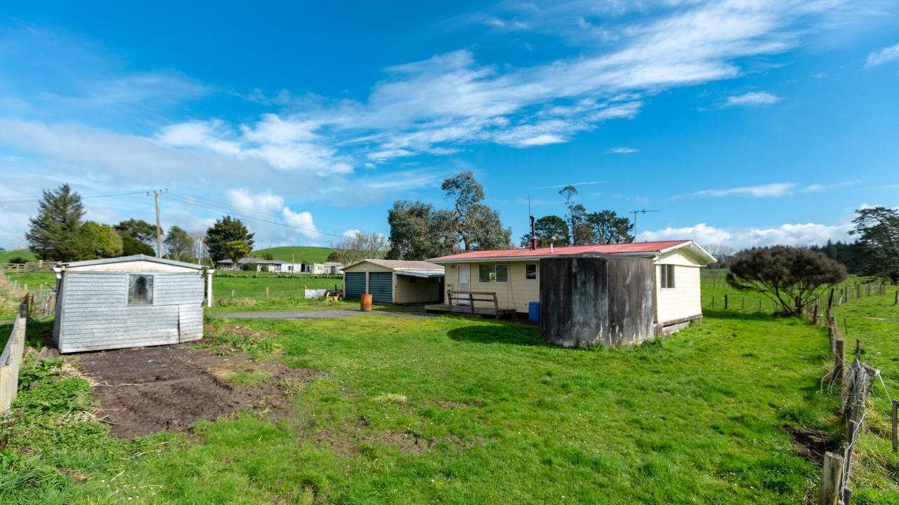 55 Steen Road, Waitakaruru