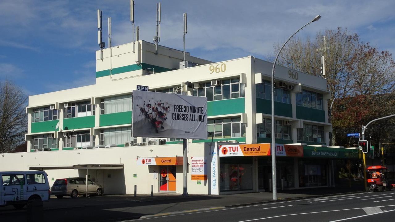 960 Victoria Street, Hamilton Central