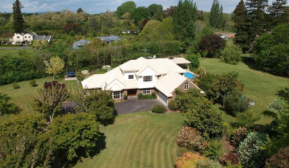 Family Home with Mediterranean Flair - 9 Blue Heron Place, Tamahere | Bayleys Realty Group